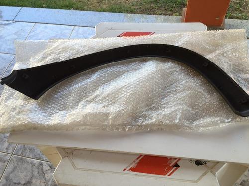 moldura para-lama traseiro esquerdo corsa hacth 97/12 novo