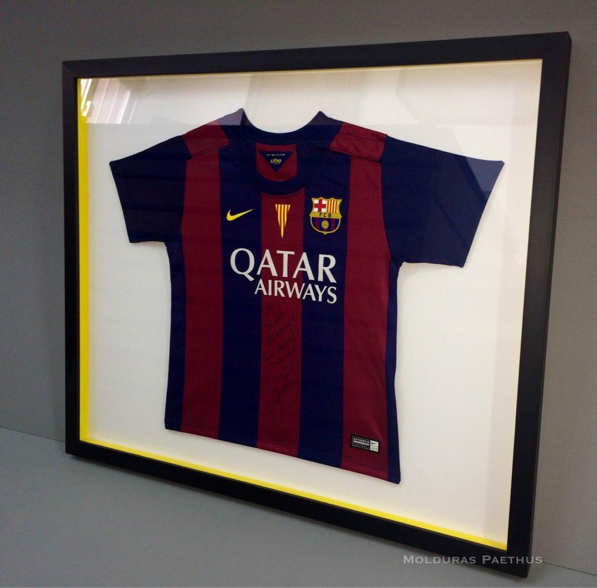 97d263a8a0 Moldura Para Quadro Camiseta De Futebol E Banda - Sob Medida - R ...