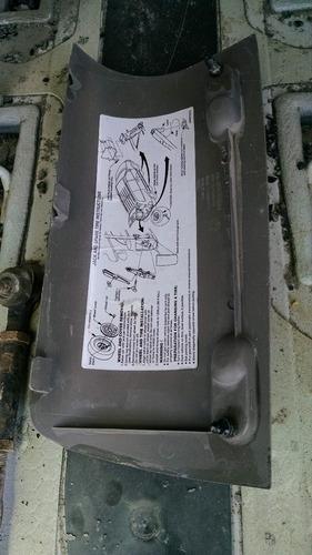 moldura plastica  (cubre gato )dodge grand caravan 2002 usad