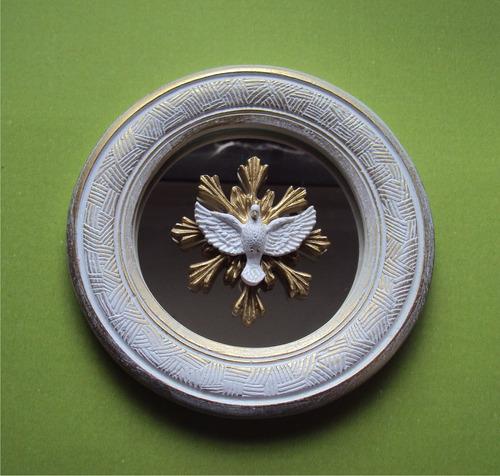 moldura redonda com espelho e mini esplendor, colorido.