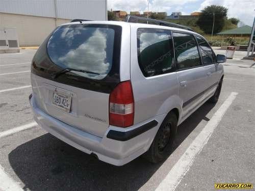 moldura traseras original mitsubishi space wagon 2002