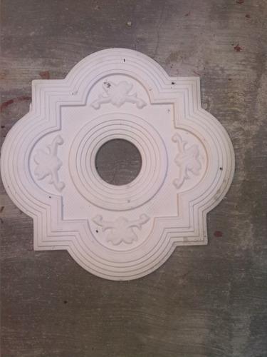 molduras-rocetones decorativos en yeso