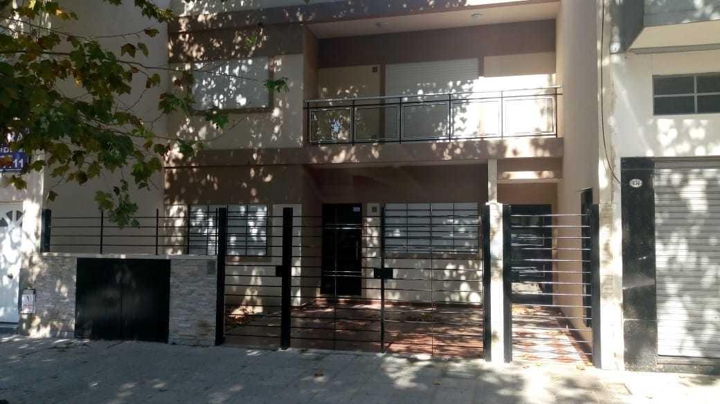 moliere 600. ph 3 amb. patio gigante. a estrenar. villa luro