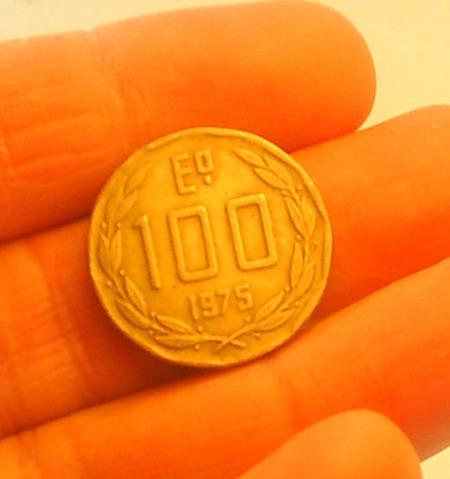 moneda 100 escudos, chile, 1975, bronce.