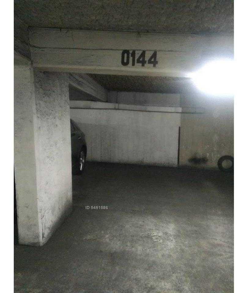 moneda 645 - estacionamiento 0144