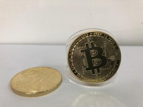 moneda alusiva bitcoin dorada+acrilico ¨ tesch store ¨