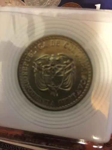moneda antigua de 50 centavos colombianos sin circula 1965
