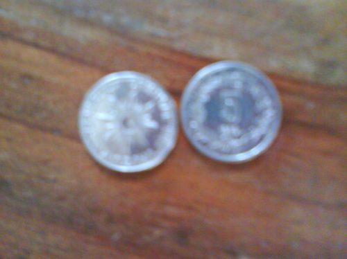moneda antigua de n$5 uruguaya del año 1989