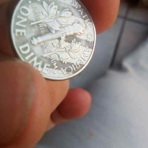 moneda de diez centavos de dolar