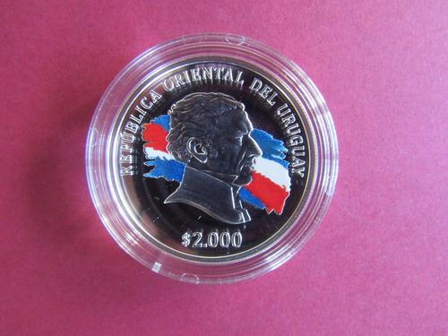 moneda  de plata conmemorativa  de uruguay 2000 pesos 2015