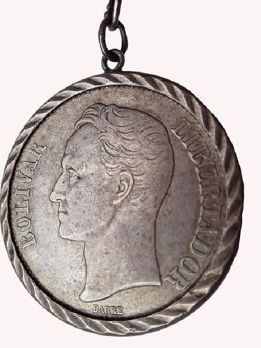 moneda de plata   fuerte   de venezuela con llavero