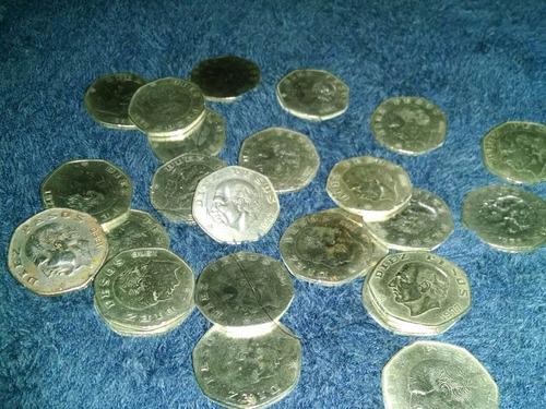 moneda eptagonal de $10.00