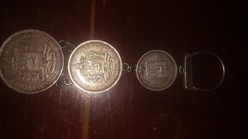 monedas de plata de 0.5, 1 y 2 bs en llavero
