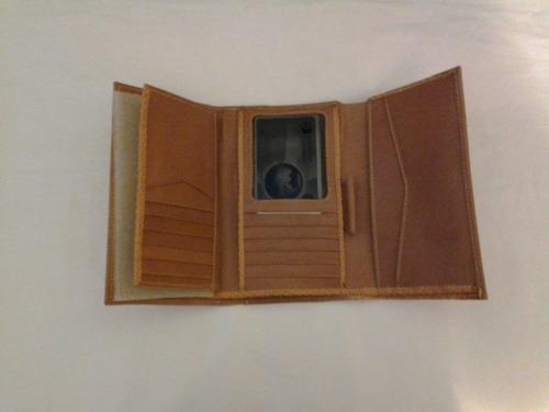 monedero en cuero con su caja ideal para regalo billetera
