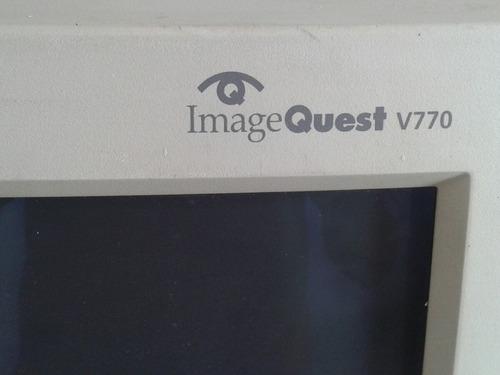 monitor hundai de 17 pulgadas modelo viejo