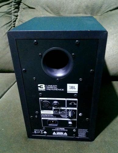 monitor jbl lsr305 ativo.