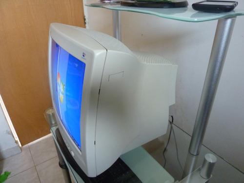 monitor philips crt 17  usado