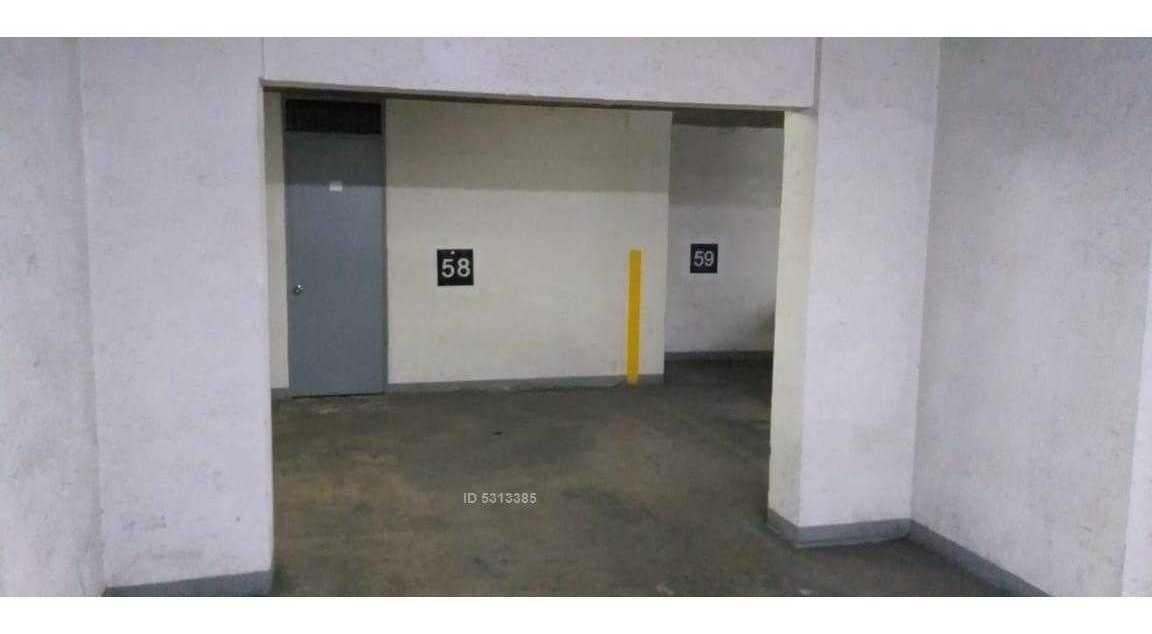 monjitas  / posibilidad de estacionamiento