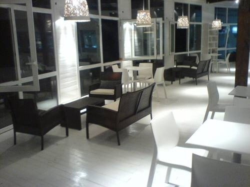 mono 60m2 con cochera en linda bay resort & beach 5 estre.