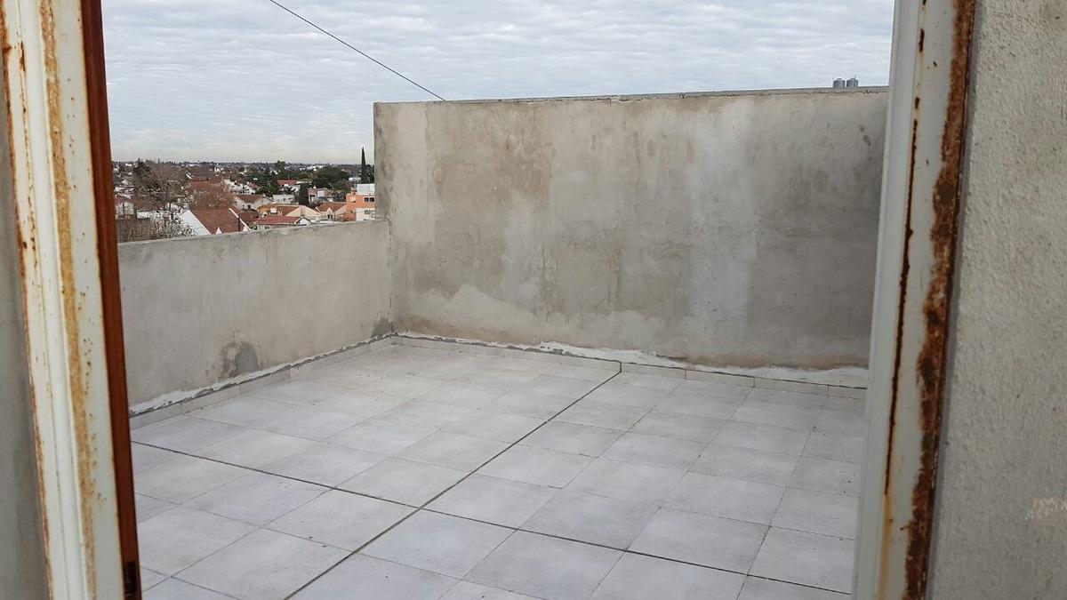 mono ambiente con terraza exclusiva