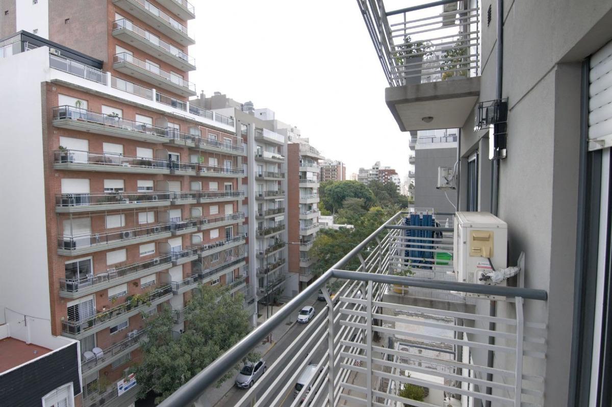 mono ambiente frente apto profesional con balcón