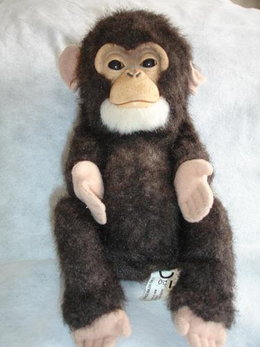 mono fur real se mueve parpadea emite sonido incluye pilas
