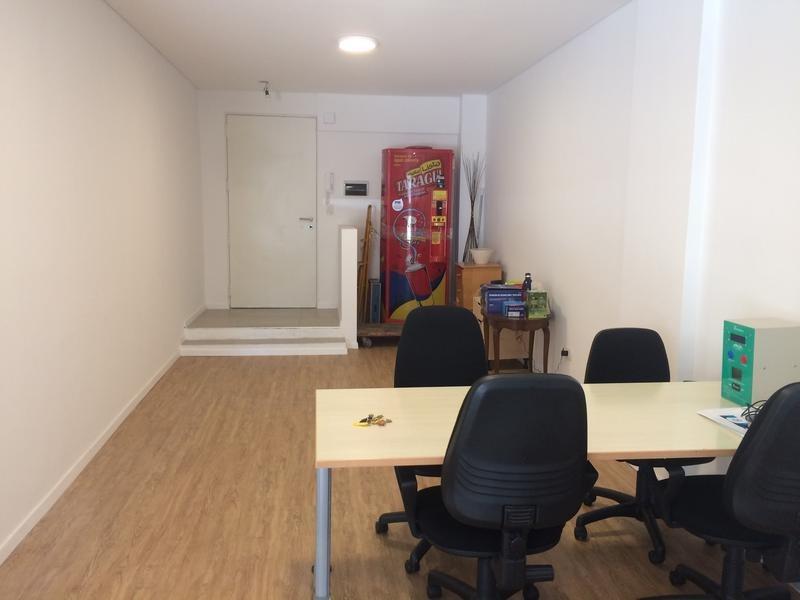 monoambiente. 75 m2 divisible apto profesional. con renta