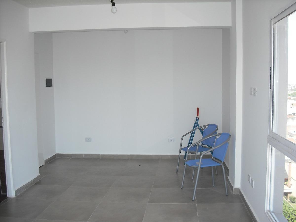 monoambiente a estrenar , piso 11, dpto.  b .-