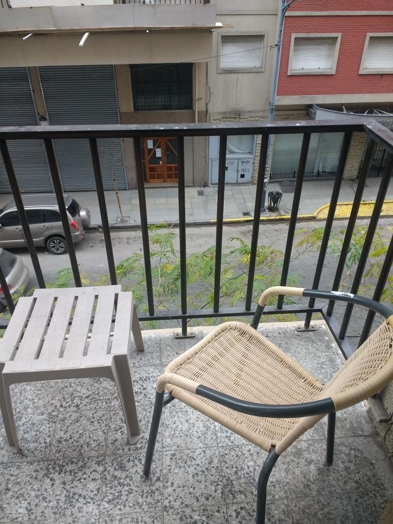 monoambiente al frente  balcón. excelente ubicación.