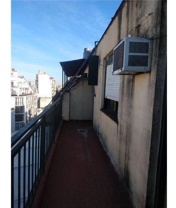 monoambiente amplio balcón a refaccionar