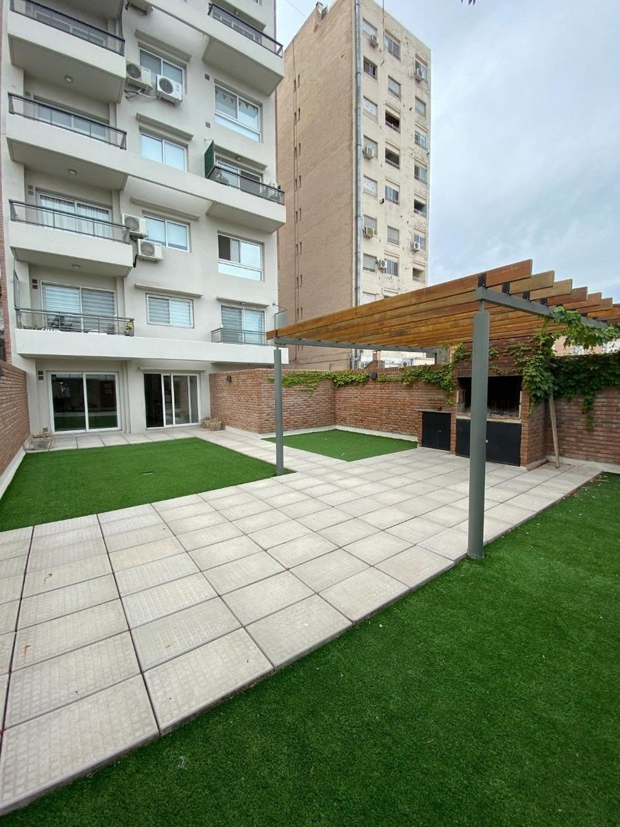 monoambiente amplio con patio 52 m2 - pellegrini 563 - amenities  - a estrenar