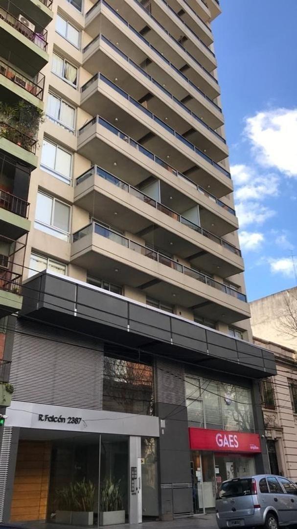monoambiente con balcón excelente ubicación