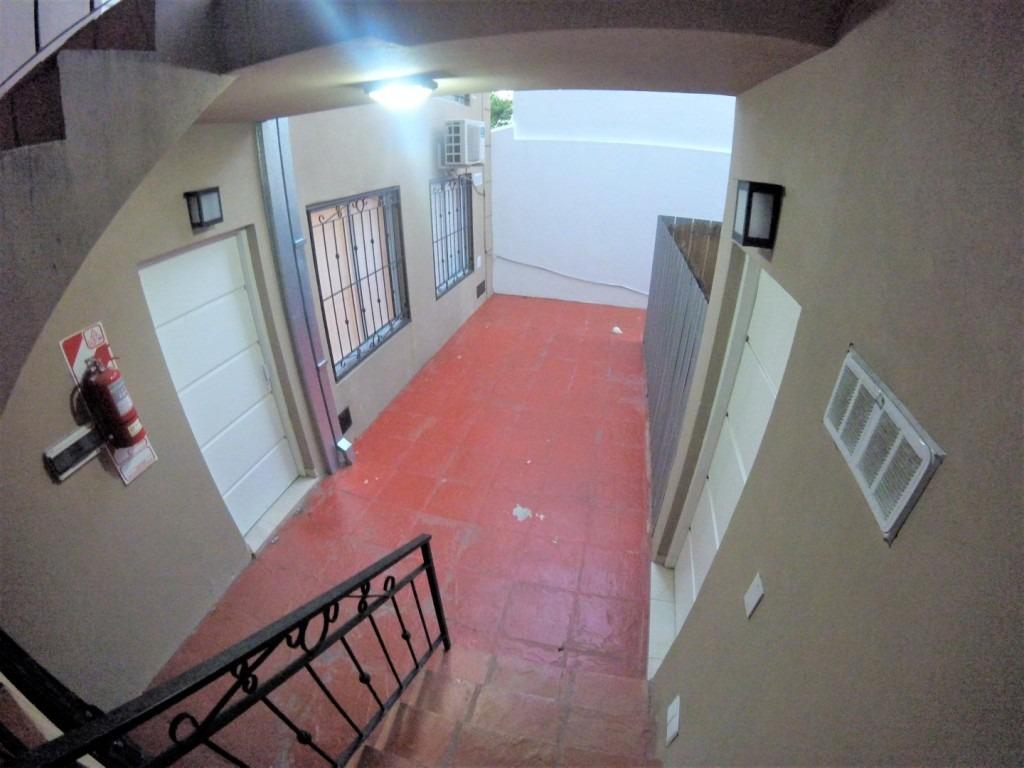 monoambiente con terraza propia // villa sarmiento // alquiler