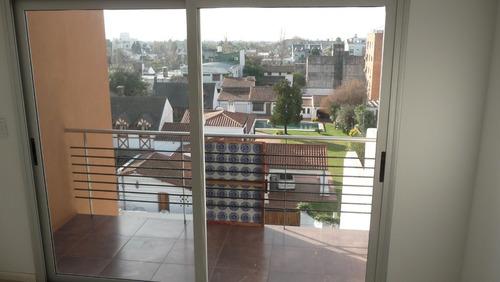 monoambiente con terraza propia y cochera cubierta