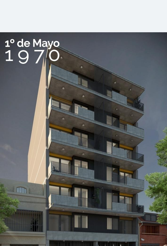 monoambiente en calle primero de mayo al 1900. con balcon y terraza exclusiva. a metros de av. pellegrini.