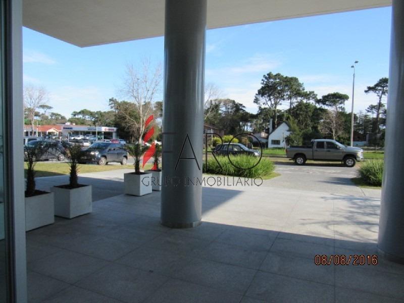 monoambiente en roosevelt con garage y servicios-ref:36974