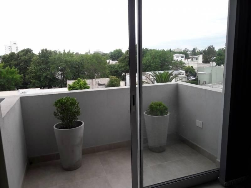monoambiente en venta con balcón en la plata