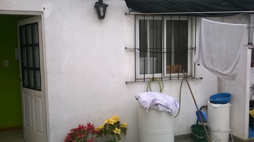monoambiente en venta con patio y balcón.