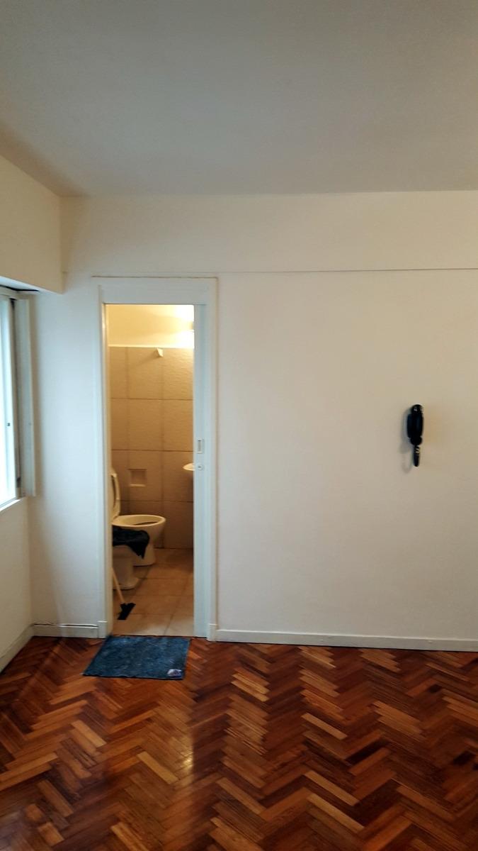 monoambiente interno 4° piso, virrey arredondo al 2200.