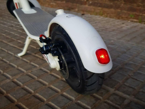 monopatín eléctrico futur e 350w con app motos ap