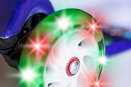 monopatin stark reforzado 4 ruedas luces varon nene zombie