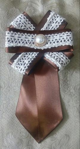 moños corbata broche