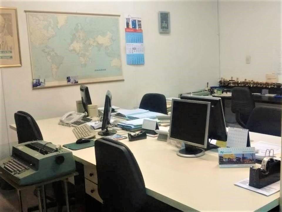 monserrat excelente oficina de 7 ambientes sobre 9 de julio