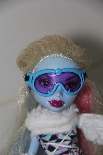 monster high - abbey bominable  - 2011