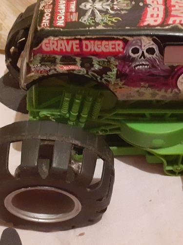 monster tracks grave digher replica del original