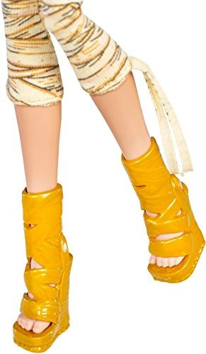 Monstruo Alto Original Favoritos Cleo De Nile Doll - $ 283.900 en ...