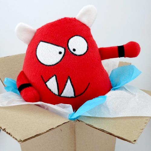 monstruo rojo gótico peluche decoración cumpleaños guyuminos