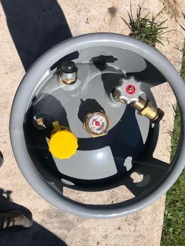 montacarga autoelevador /gas 2.5toneladas/3mt,automático!