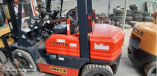 montacarga y gran variedad de equipos importado de japón
