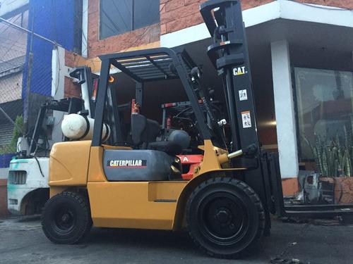 montacargas caterpillar 2005 de 6,000 lbs con desplazador